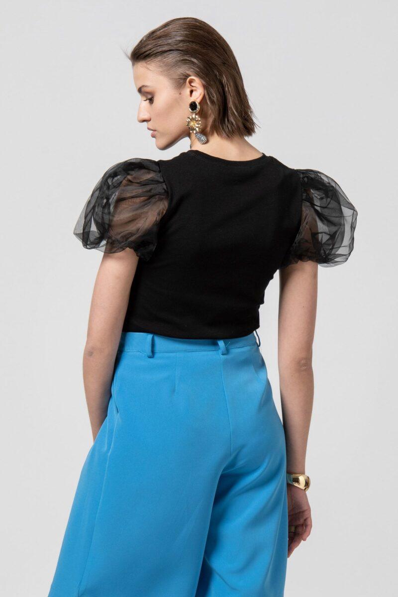 Μπλούζα κοντομάνικη με τούλινο μανίκι μαύρη 1002504