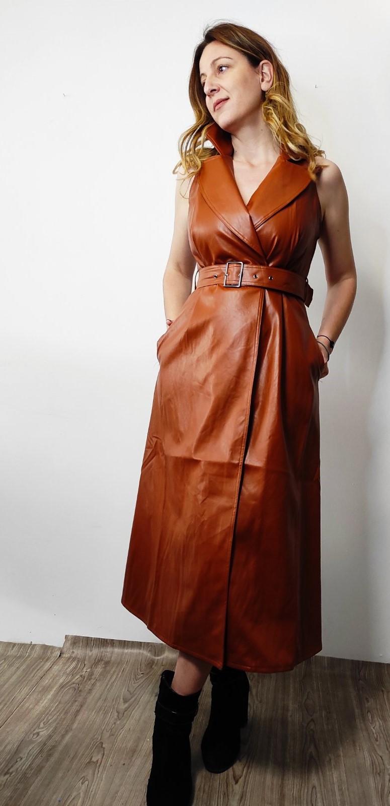 Φόρεμα δερμάτινο αμάνικο ταμπά B375